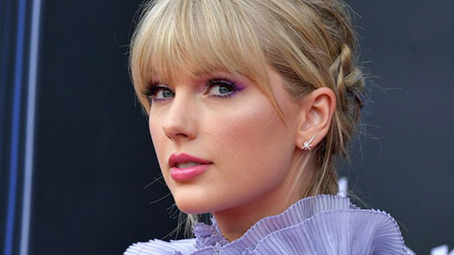 Taylor Swift to be named Artist of the Decade at AMAs