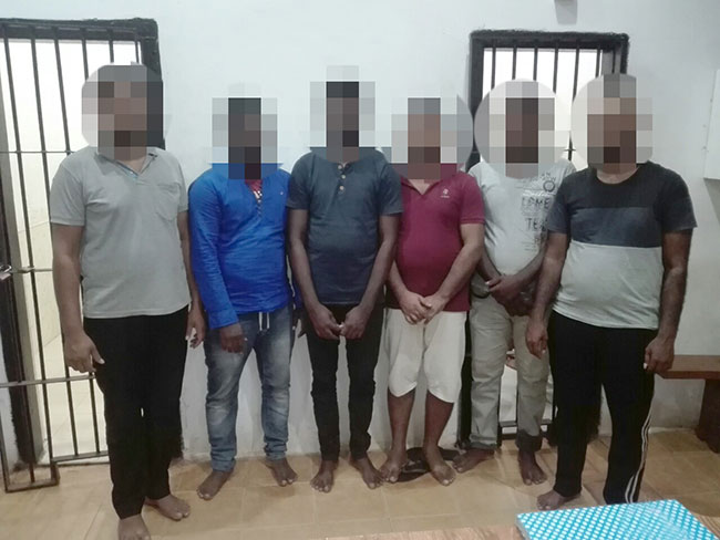 11 arrested as navy foils illegal migration attempt to Reunion Island