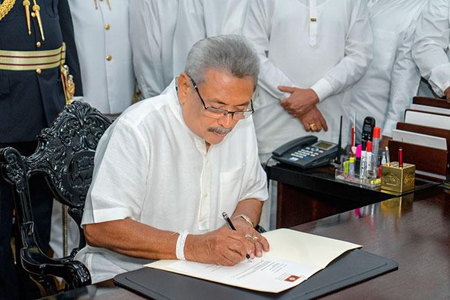 Gotabaya Rajapaksa assumes duties as President