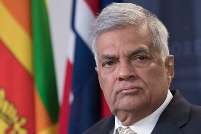 PM to step down & hand over govt. today - Kiriella