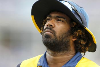 Malinga shelves retirement plan, to continue for 2 years