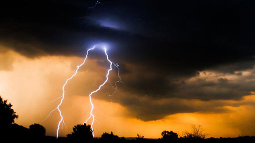 Warning issued for heavy rainfall, severe lightning and strong winds