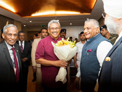 President receives warm welcome in India…