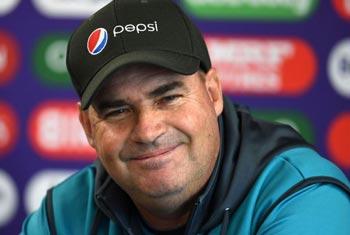 Sri Lanka to name Mickey Arthur as head coach: source