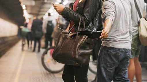Five Lankans held as Melbourne police bust pickpocketing ring