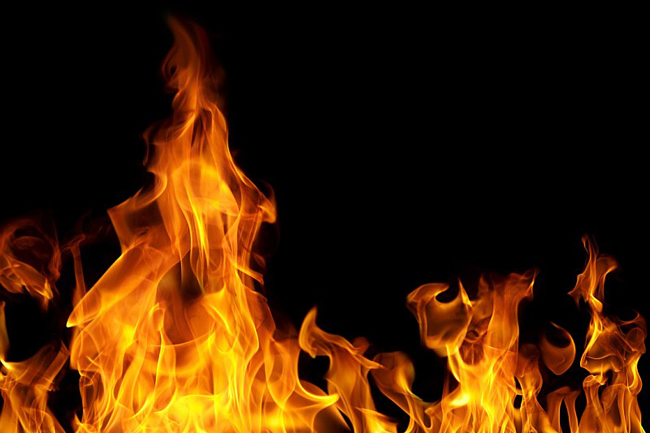 Man killed in fire inside house at Wellawatte