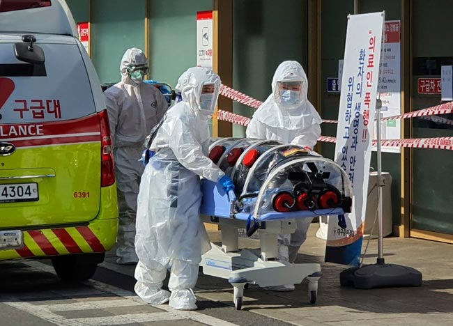 South Korea reports first Coronavirus death, warns of community transmission
