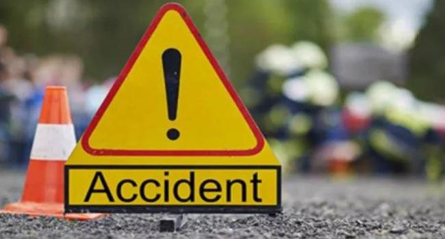 Woman killed, 13 injured in Katunayake road accident