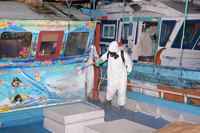 Navy brings ashore a fisherman who had close contact with coronavirus patient