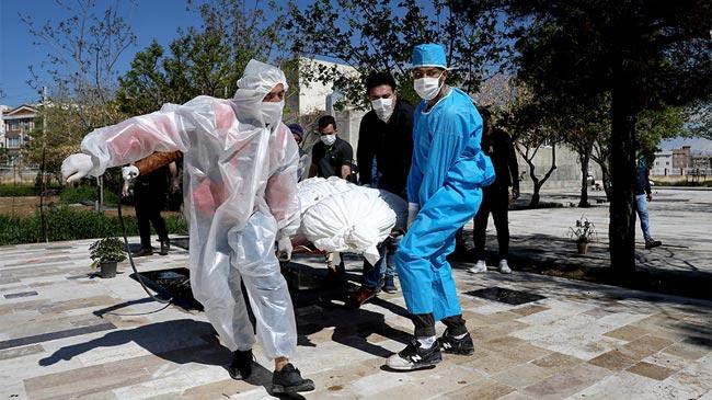 Global coronavirus death toll passes 42,000