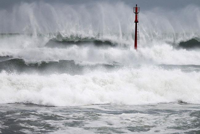 Advisory for high waves and coastal inundation