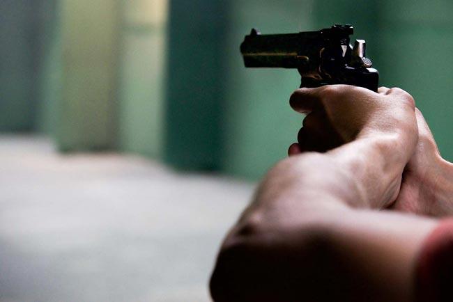 Man gunned down in Maligawatta housing complex