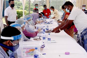 700 Indians in Sri Lanka return home…