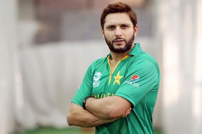 Pakistan cricket legend Shahid Afridi tests positive for COVID-19