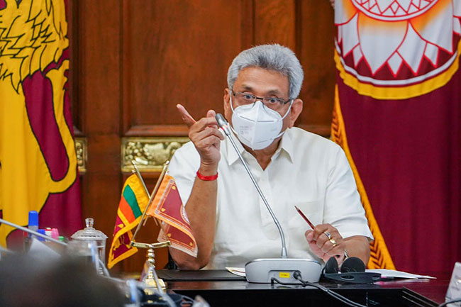 President orders election candidates not to use his photographs
