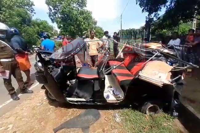 Fatal head-on collision in Wellawaya claims three lives