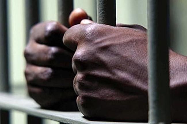 Negombo Prison chief jailors remanded after surrender