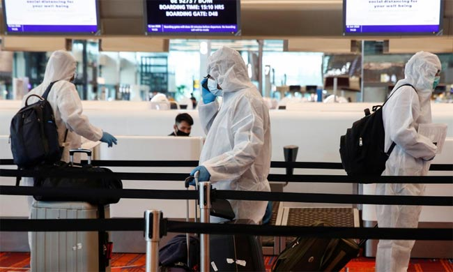 Singapore to make travellers wear electronic tags to enforce quarantine