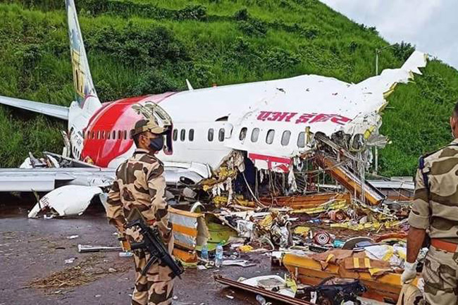 At least 18 killed, more than 100 injured in India plane crash
