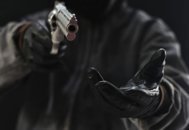 Armed robbers make away with Rs 30 mn from businessman's home