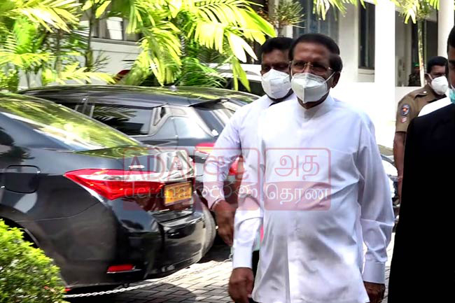 Maithripala arrives at PCoI on Easter attacks for 4th day