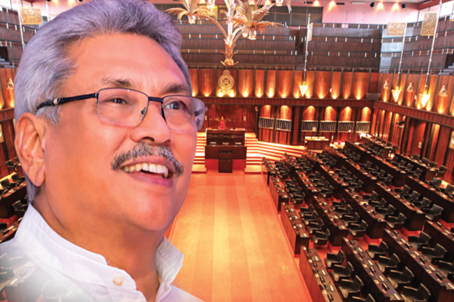 President arrives in Parliament mid-debate on 20A
