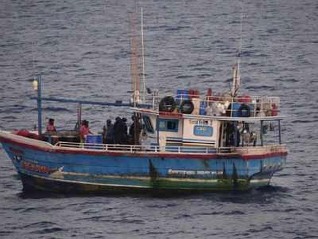 Indian coast guard seizes 100 kg heroin from Sri Lankan boat