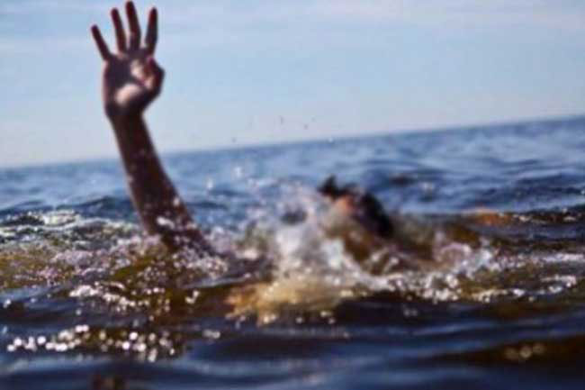 Two teenagers go missing while sea bathing in Palali