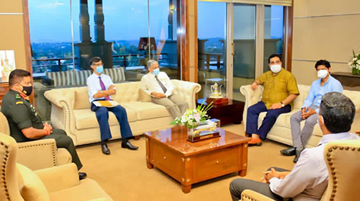 Medical consultants seek possibilities of treating COVID-19 patients at private hospitals
