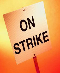 Medical laboratory technicians to go on strike