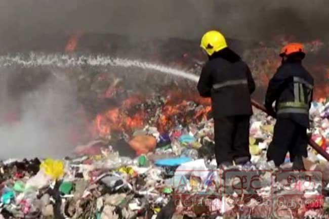 Fire erupts at Kerawalapitiya garbage dump