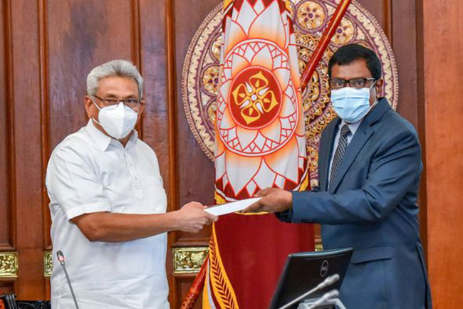 Expert committee report on solid waste management handed over to President