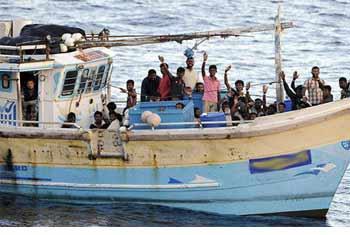Lanka nabs 28 illegal immigrants to Australia