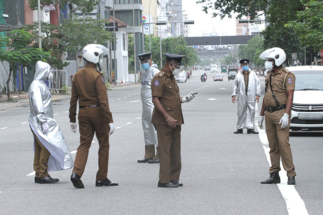 Police apprehend 1,027 more quarantine law flouters on Friday