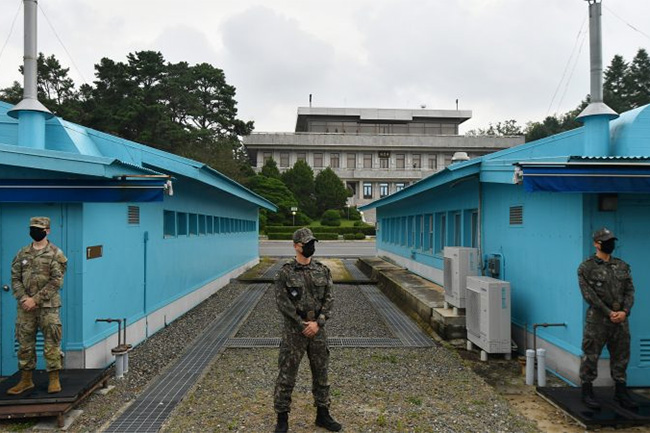 North & South Korea announce restoration of cross-border communications