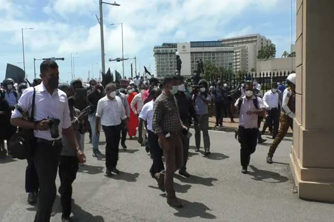 Dozens arrested at protest in front of Presidential Secretariat