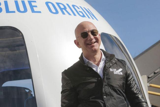 Jeff Bezos' Blue Origin sues NASA over SpaceX Moon contract