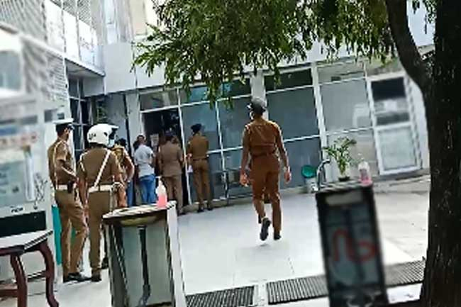 Hand grenade found inside private hospital in Narahenpita