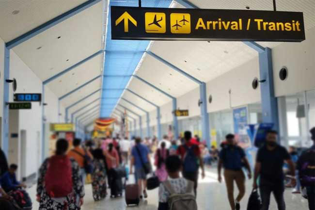 Sri Lankans returning from abroad to be sent home with expedited PCR tests