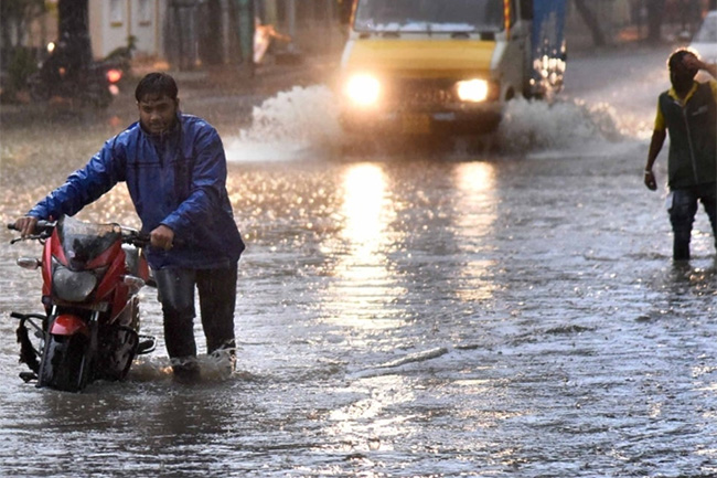 Heavy rains above 100mm likely in four provinces today