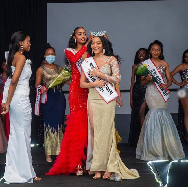 Teen with Sri Lankan roots crowned 'Miss Teen International Botswana 2021'