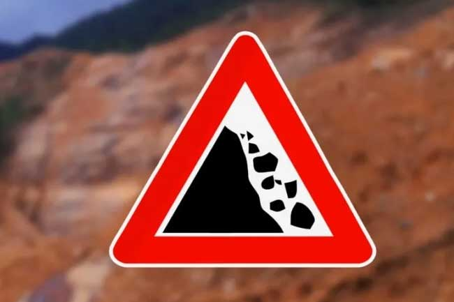 Landslide early warnings issued for five districts