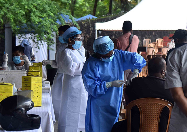 Health experts urge youths to get vaccinated without delay and not be misled by baseless opinions